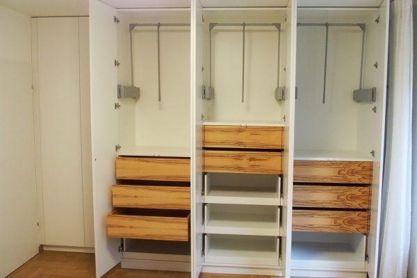 Edles Schlafzimmer mit Einbauschrank